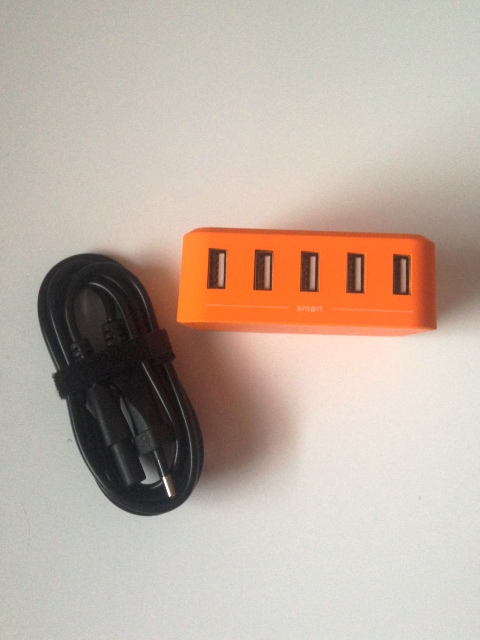 5-Port Desktop USB Ladegerät von Lumsing, Frontansicht