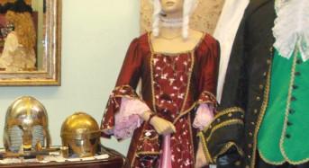 Räumungsverkauf beim Kostümverleih D. Kampe