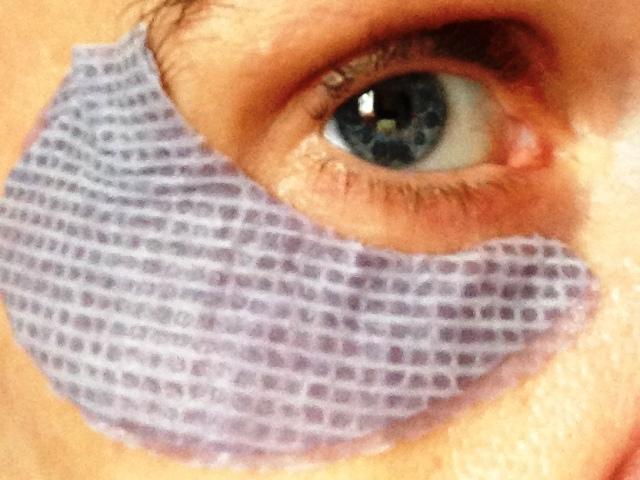 Anwendung der Augenmaske