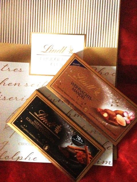 Weihnachts-Mandel & Weihnachts-Edelbitter Schokolade von Lindt