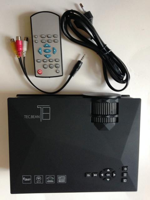 Kabelloser Multimedia Beamer UC 46 von Tec Bean