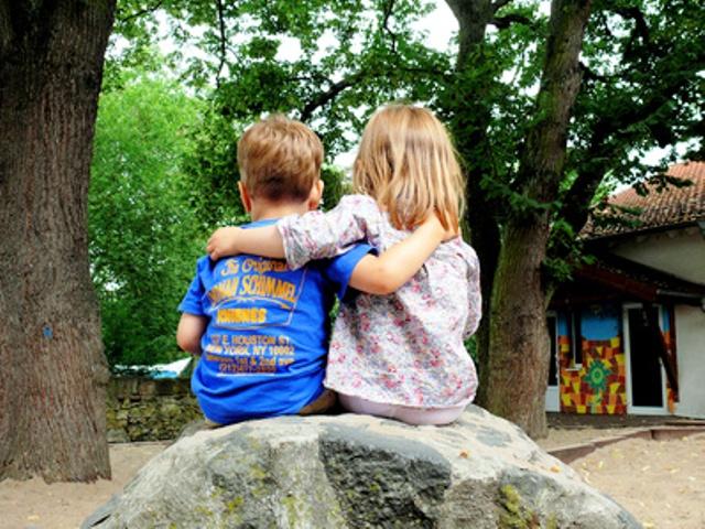 Kinder auf die große, weite Welt vorbereiten, Quelle: _S.v.Gehren_pixelio.de