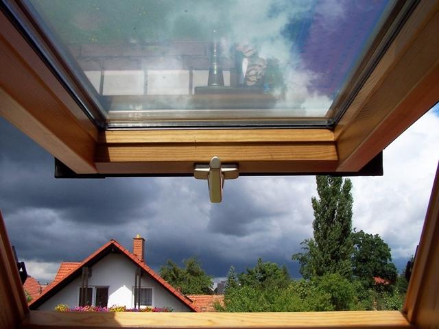 Dachfenster, Quelle: Verena N._pixelio.de