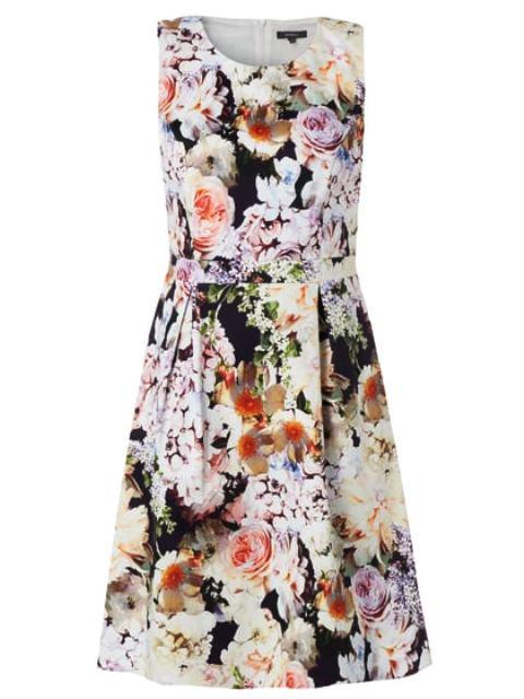 Kleider Trends, Kleid mit Blumenmuster, Quelle: Peek & Cloppenburg