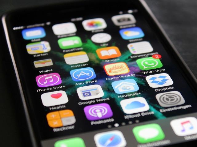 Wichtige Apps für Dein Smartphone, Quelle: by HeikoAL, pixabay