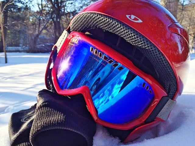 Snowboard Helm, Quelle: pixabay