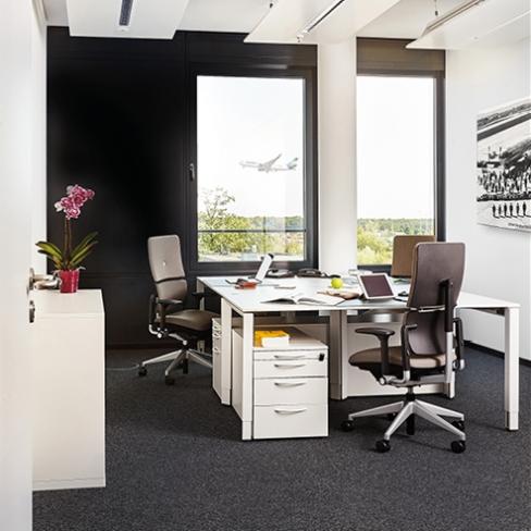 Büro am Flughafen, Buero mit Möbeln mieten,  Quelle: AGENDIS