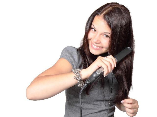 Haare richtig glätten, Quelle: pixabay