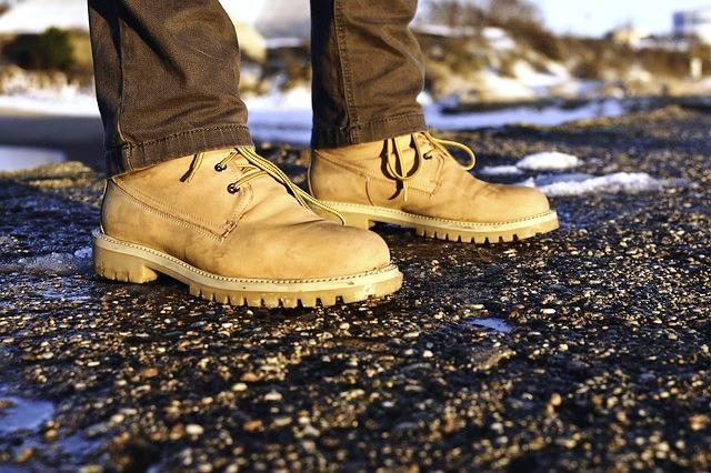 Schuhwerk, Quelle: Bild von lloorraa auf Pixabay