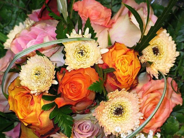 Blumen, Bild von Kerstin Riemer auf Pixabay
