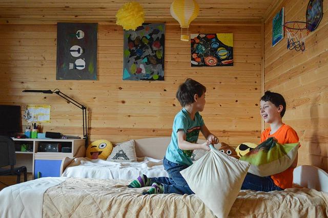 Kinderzimmer, Bild von press 👍 and ⭐ auf Pixabay