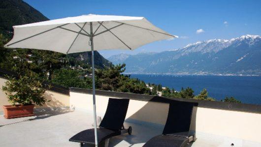 Sonnenschirm – Wie hoch sollte der UV-Schutz sein?